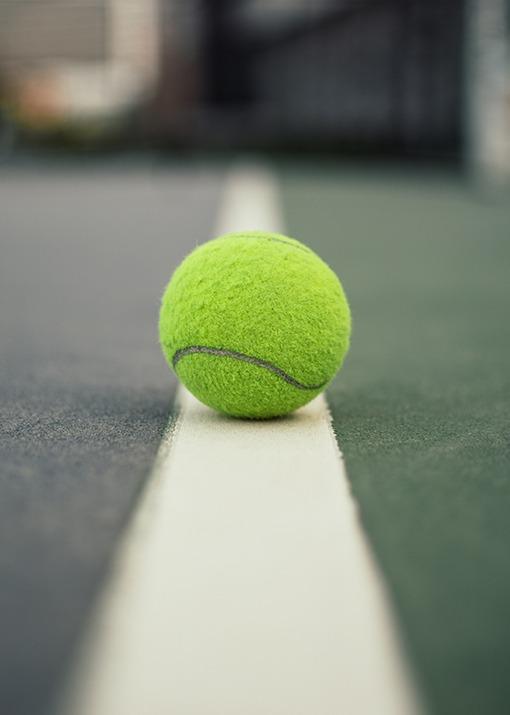 Tennisball-auf-Linie